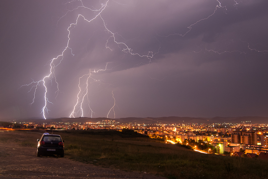 thunderstortm-over-targu-mures-2012