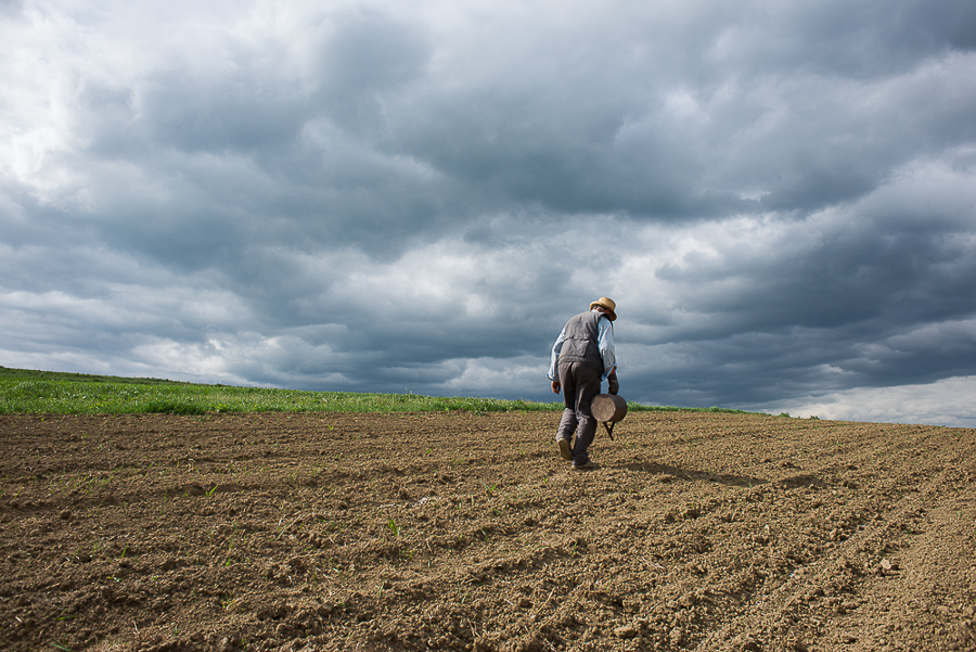 farmer-in-the-niraj-valley-in-may-2015